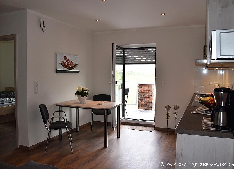 singles boardinghouse kowalski. Black Bedroom Furniture Sets. Home Design Ideas