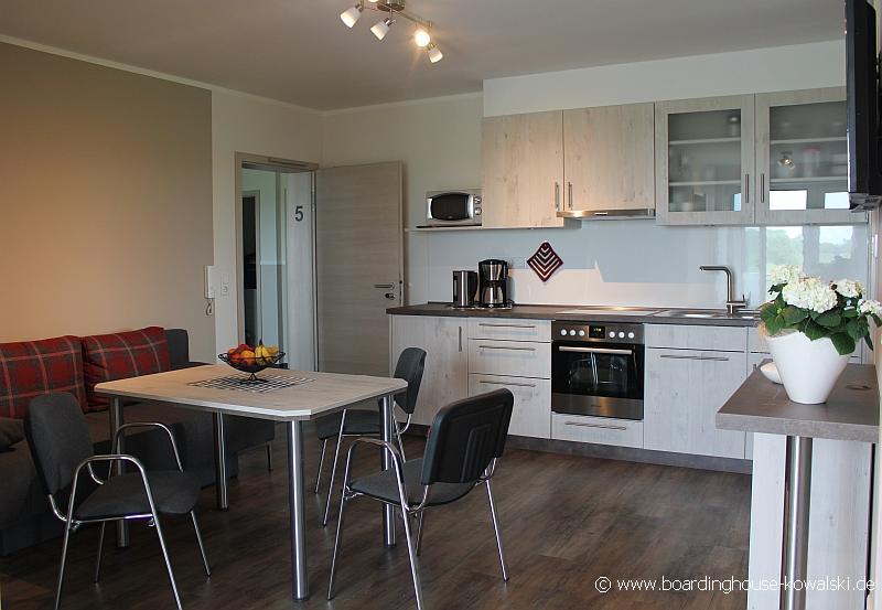 monteure boardinghouse kowalski. Black Bedroom Furniture Sets. Home Design Ideas