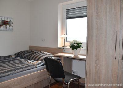 Schlafzimmer Singlewohnung Boardinghouse Ammerland www.boardinghouse-kowalski.de Foto GrAbo